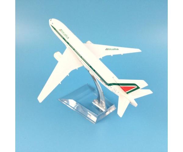 Модель пасажирський літак Boeing 777 Alitalia