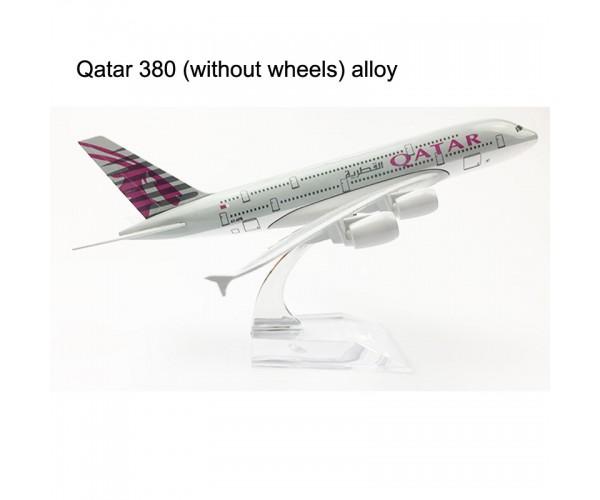 Модель пасажирський літак Airbus A380 QATAR 20см