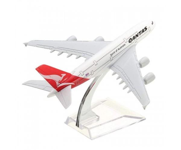 Модель пасажирський літак Airbus A380 Qantas