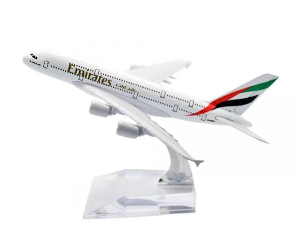 Модель пасажирський літак Airbus A380 Emirates